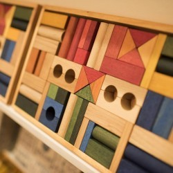 Bloques Rainbow 54 piezas con caja de madera