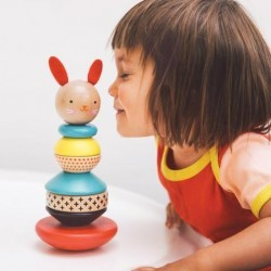Conejo Apilable de madera. Petit Collage
