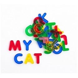 Letras de colores translúcidas