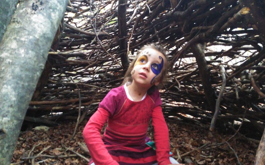 ¿ Por qué los niños y niñas hacen casitas?